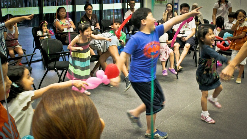 E MAGICAL MOMENT – A party planner for kids birthday parties! View Our Popular Birthday Party Packages Here with Balloon Sculpting, Magic Show & Fun!